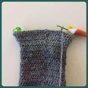 Eenvoudige sokken haken: zo haak je een hielkapje.