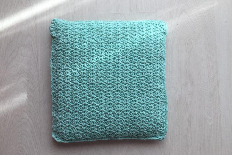 Arisa cushion crochet pattern